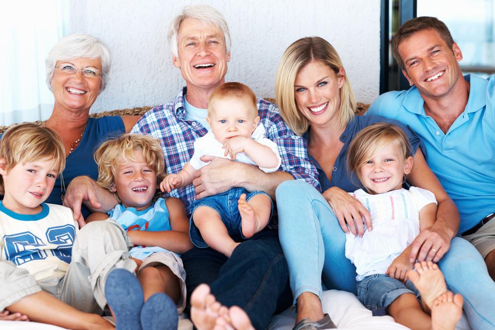 20, 30 или 40 години: Во која доба од животот се луѓето најсреќни?