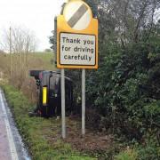 Човек на кој знакот не може да му каже како да вози