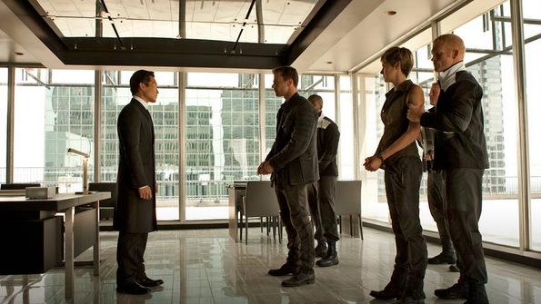 (5) Филм: Побунети (Insurgent)