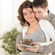 8. Официјална најава за вашата бременост и одговор на прашањето кое го поставуваа сите околу вас.
