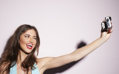 Како да изгледате привлечно на профилната слика на Фејсбук?