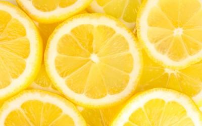 Зошто треба да ги замрзнувате лимоните?