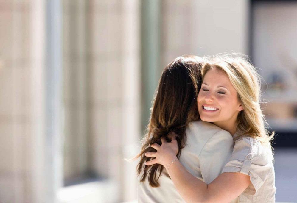 10 ситуации кои ве претовараат од добри во најдобри пријателки