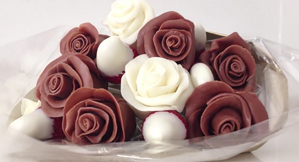 2-rozi-od-jagodi-i-chokolado-vednash-kje-sakate-da-gi-napravite-i-vie-kafepauza.mk