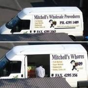 Големопродажбата на Мичел добро му оди. Можеби затоа што има скриен бизнис.