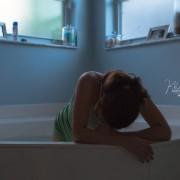 Време е за породување! Ова се моментите на подготовка – влегување во кадата и дишење за време на контракциите.