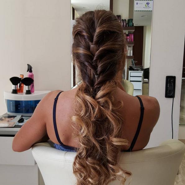 (13) Најдоброто од два света: Бронди е новиот летен тренд за коса