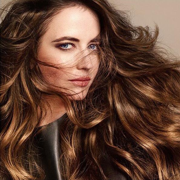 (15) Најдоброто од два света: Бронди е новиот летен тренд за коса