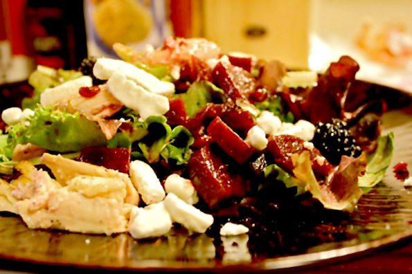 2-sakate-neshto-zdravo-salatata-e-odlichen-izbor-no-dali-znaete-koi-se-najdobrite-i-najloshite-sostojki-za-nea-www.kafepauza.mk_