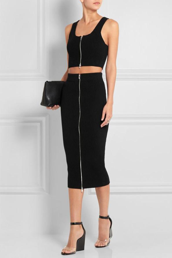(3) Како да носите црни модни комбинации за време на летото?