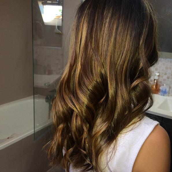 (3) Најдоброто од два света: Бронди е новиот летен тренд за коса