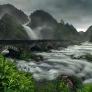 Мост над водопадот Латефосен