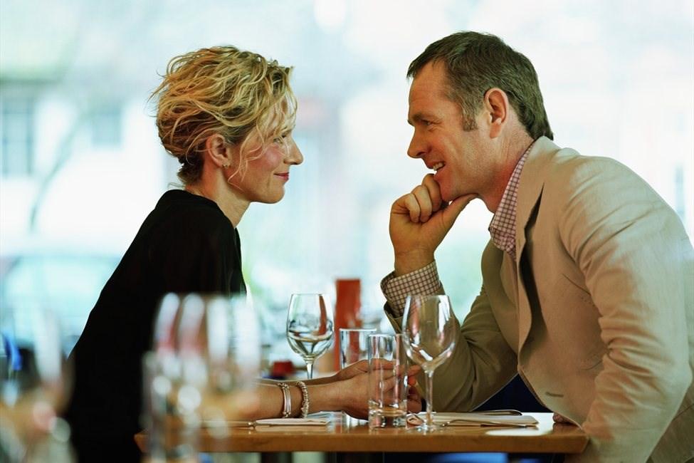 7 причини зошто постарите мажи се подобар избор за љубовна врска
