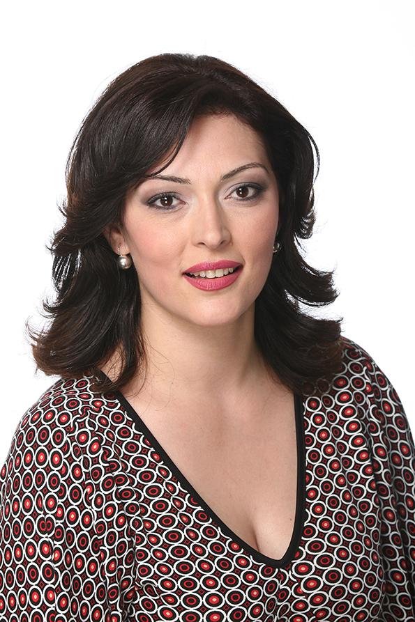 svedoshtvo-na-tv-prezenterkata-tatjana-stojanovska-koja-neodamna-napravi-operacija-za-otstranuvanje-na-dioptrija-vo-sistina-oftalmologija-kafepauza.mk