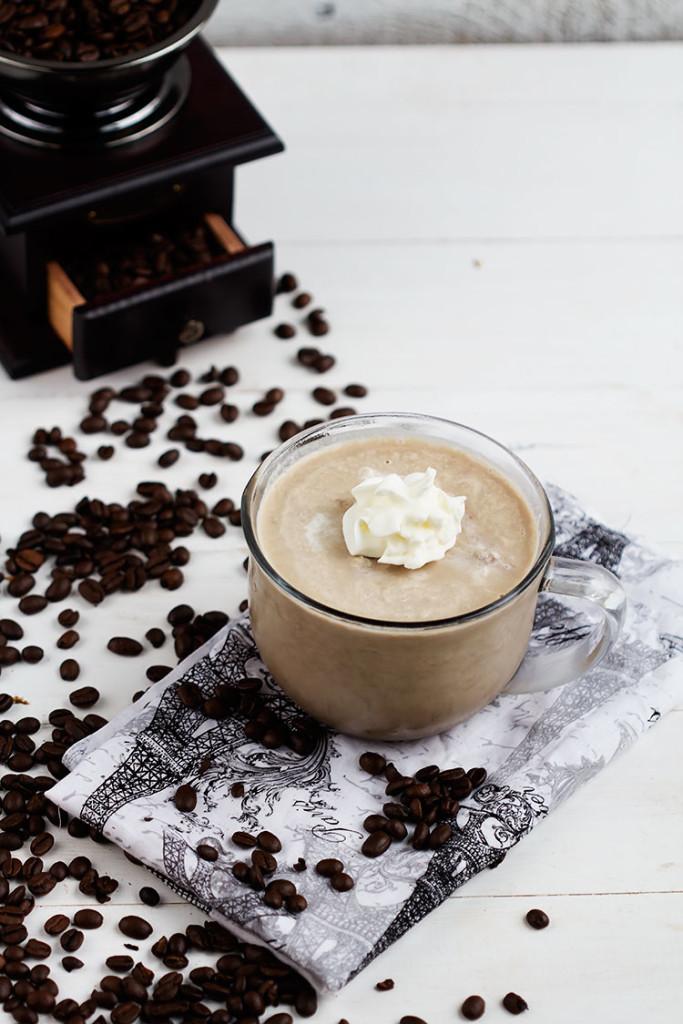 1-ledeno-francusko-kafe-so-chokoladen-preliv-kafepauza.mk