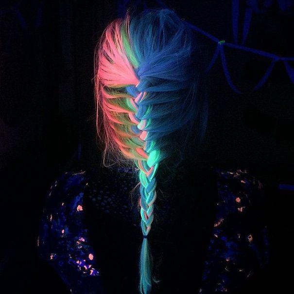 Отсега вашата коса ќе може да свети во темница!