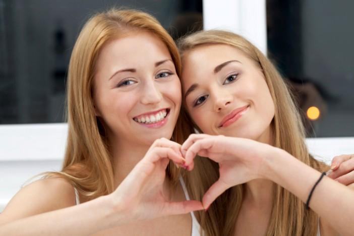 10 нешта кои сите сестри треба заедно да ги направат пред да наполнат 30 години