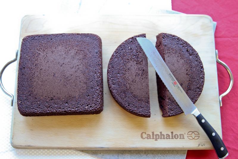 2-iznenadete-go-vashiot-sakan-torta-vo-forma-na-srce-koja-mozhete-da-ja-napravite-bez-kalap-za-pechenje-www.kafepauza.mk_
