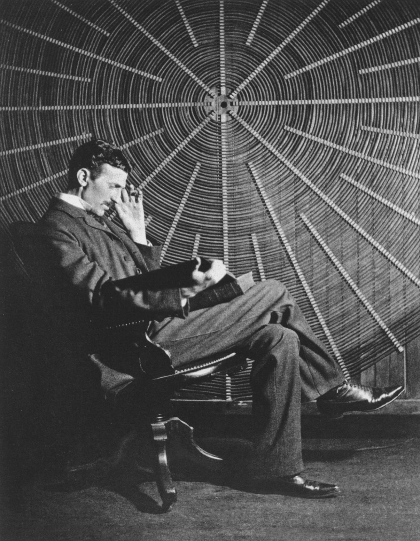 Како Никола Тесла го тренирал мозокот: 3 навики кои може секој да ги практикува
