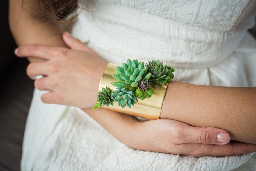 Жив накит кој расте додека го носите