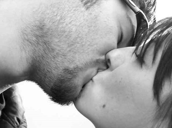 Бакнежот е прекрасно искуство, момент кој ќе ве зближи со вашиот љубовник, со кој ќе уживате во сензуалната врска.