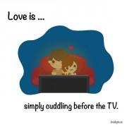 Љубов е... Едноставното милувањето пред телевизорот.
