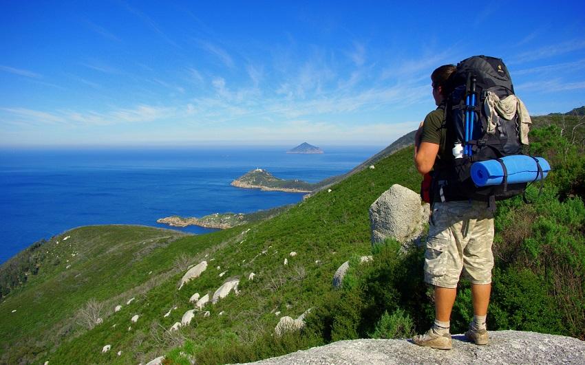 14 работни места за кои ќе ви плаќаат да патувате низ светот