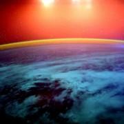 Светлосно шоу над Земјата, фотографирано од Меѓународната вселенска станица