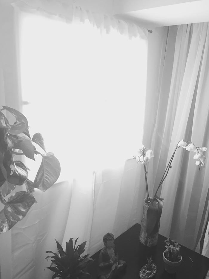 Како едноставно да направите лажен прозорец во визбата?