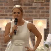 Оваа девојка решила да ја рапува својата здравица на свадбата на сестра ѝ