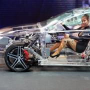 Транспарентен акрилен автомобил