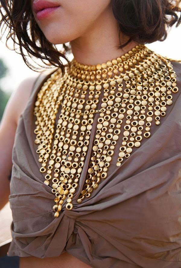 3-6-nachini-kako-sekogash-da-izgledate-zanesno-vo-zlatna-boja-www.kafepauza.mk_