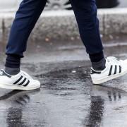 5 начини да ги исчистите белите патики и да направите повторно да изгледаат како нови
