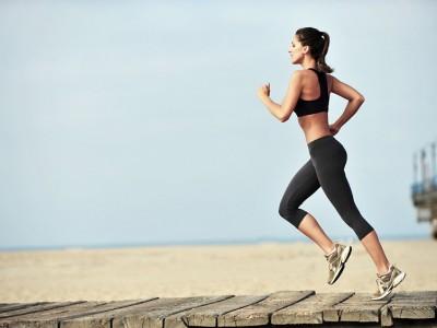 Пробајте ја оваа нова рутина на вежбање која трае само 12 минути