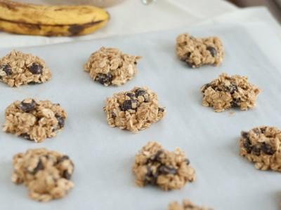 Здрав појадок со колачиња од банана и овесни снегулки