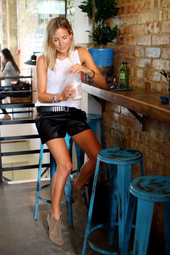 5-modni-soveti-kako-da-gi-kombinirate-kozhnite-parchinja-obleka-ovaa-prolet-www.kafepauza.mk_