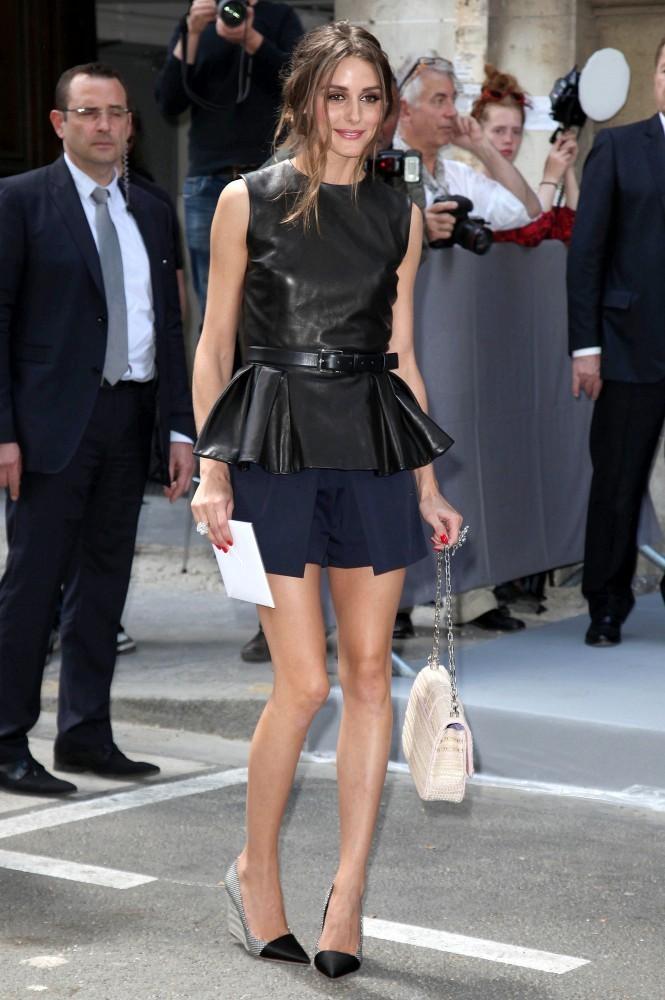 6-modni-soveti-kako-da-gi-kombinirate-kozhnite-parchinja-obleka-ovaa-prolet-www.kafepauza.mk_