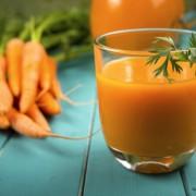 Ублажете ги симптомите на пролетните алергии со вкусно овошно смуди