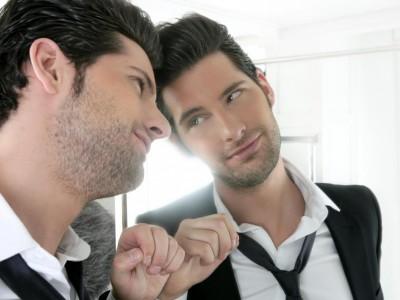 11 суптилни знаци на нарцизам кои лесно може да се занемарат