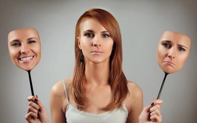 8 знаци дека носите лажна маска на злобна и непријатна личност