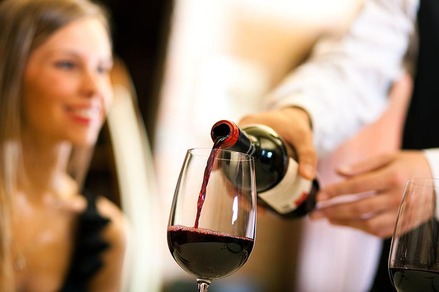 Науката открива дека кафето, чајот и виното се многу здрави за желудникот и цревата