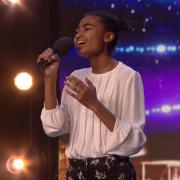 Погледнете како малата Џазмин Елкок ги расплака судиите и целата публика со својот глас