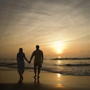 Поучна приказна: Среќни се оние кои се држат за рака