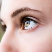 Што навистина кажува бојата на очите за вашиот љубовен живот?