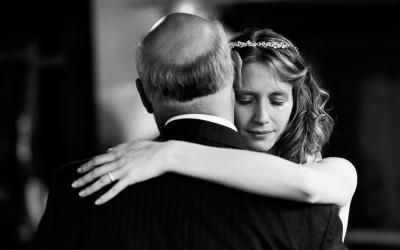 Свадбени фотографии кои ја прикажуваат нераскинливата врска помеѓу таткото и ќерката