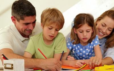 Како да воспитате дете без комплекси: 5 реченици на кои родителите треба да заборават еднаш засекогаш!