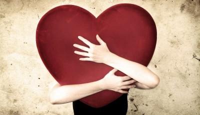 Прашања кои треба да си ги поставите пред да очекувате повеќе љубов во животот