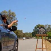 Пикадо мајстор: Ова момче едноставно не може да не ја погоди својата цел!