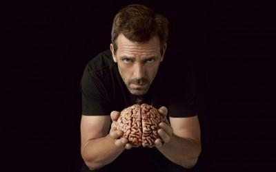 10 причини зошто интелигентните луѓе обожаваат сарказам