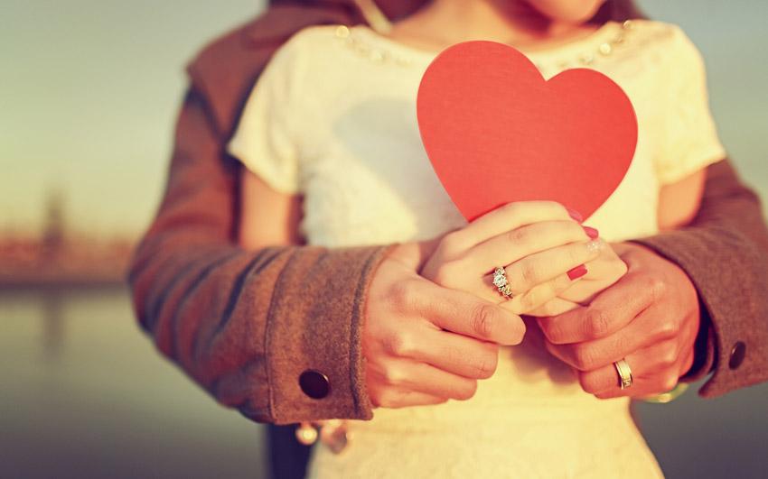 (1) Хороскопот открива: На што е слаб неговиот знак кога е љубовта во прашање?